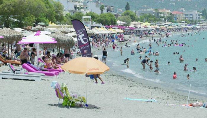 Αδιαχώρητο στη Μεσσηνία το τριήμερο: Ούτε καρφίτσα σε μαγαζιά - παραλίες (φωτογραφίες)