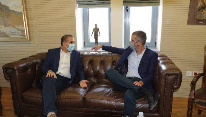 """Μπακογιάννης σε Βασιλόπουλο: """"Η Καλαμάτα είναι το απόλυτο αυτοδιοικητικό success story"""" (βίντεο)"""