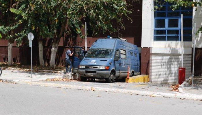 Καλαμάτα: Δύο προφυλακίσεις για την εγκληματική οργάνωση - Απολογούνται σήμερα οι υπόλοιποι 6 συλληφθέντες