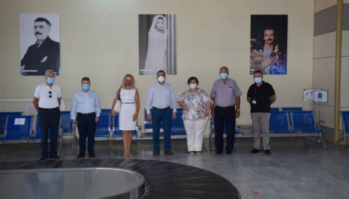 Μαρία Κάλλας, Ζορμπάς και Yanni στην... υποδοχή του αεροδρομίου Καλαμάτας