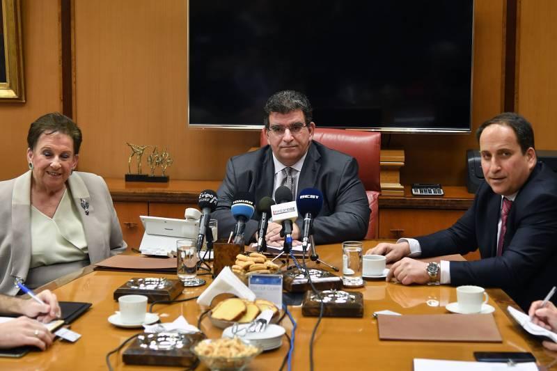 """Τεράστια δωρεά της καπνοβιομηχανίας """"Καρέλια"""" στη μάχη κατά του κορονοϊού - Δωρίζει 50 πλήρως εξοπλισμένες Εντατικές"""