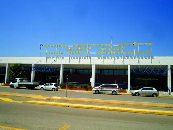 """Παραμένει κρατικό το """"Καπετάν Βασίλης"""": Εργα αναβάθμισης του Αεροδρομίου"""