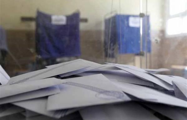 Μόνο 5 συμβούλους ο Τατούλης στη Μεσσηνία: «Πάγωμα» καταμέτρησης, «ζεσταίνει» υποψήφιους