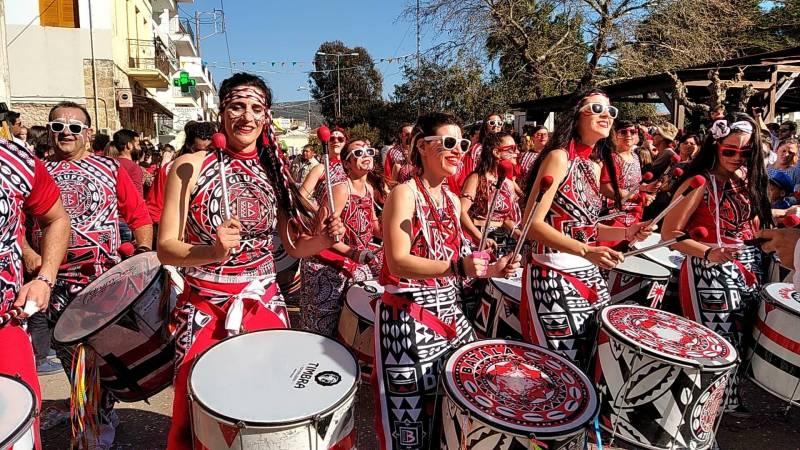 Μεσσηνία: Πλήθος κόσμου στο Φιλιατρινό Καρναβάλι (βίντεο-φωτογραφίες)