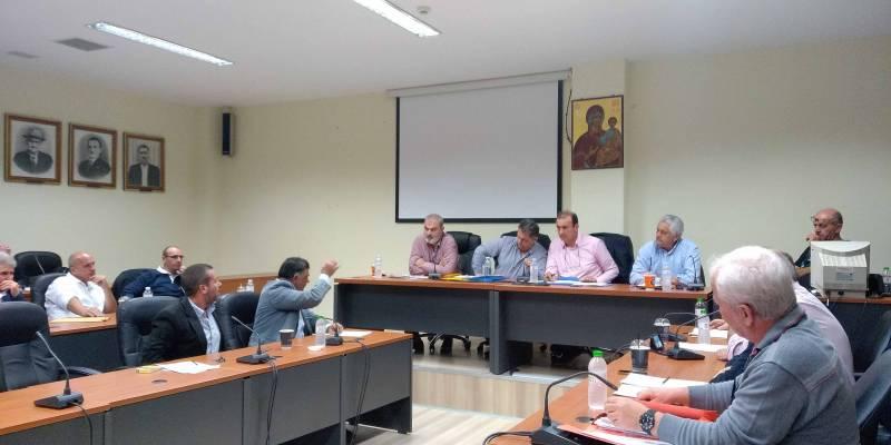 Νέα αντιπαράθεση Λεβεντάκη - Κατσίβελα, ενώ ο Δήμος Τριφυλίας δεν μπορεί να εκλέξει Συμπαραστάτη του Δημότη