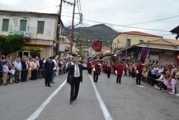 Επεισοδιακή έναρξη της παρέλασης στην Κυπαρισσία