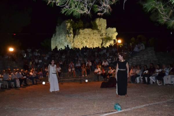 Εκπληκτική μουσικοθεατρική παράσταση με την Τζένη Δριβάλα στην Κυπαρισσία