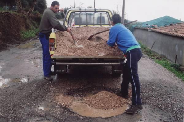 Σε άθλια κατάσταση ο δρόμος  Χανδρινού - Πλατανόβρυση