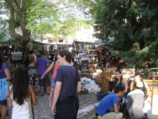 Ξεκίνησε το παζάρι αντικών στην Παλιά Πόλη της Κυπαρισσίας
