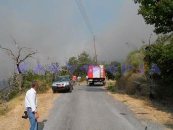 Τρεις πολίτες τραυματίστηκαν  στην πυρκαγιά στο Ανεμοδούρι
