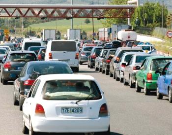 Την Παρασκευή και το Σάββατο 15.300 αυτοκίνητα πέρασαν από τα διόδια στο Μάναρη