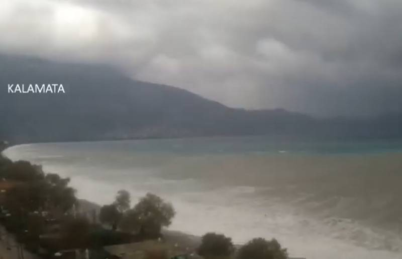 Timelapse από την καταιγίδα της Δευτέρας στην παραλία της Καλαμάτας (Βίντεο)