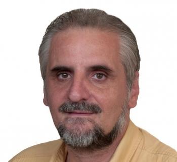 Ο Γιάννης Πλατάρος διευθυντής  Δευτεροβάθμιας Εκπαίδευσης