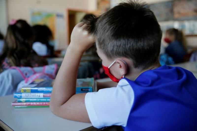 Ξεκινά σήμερα η σχολική χρονιά: Αγιασμός, μάσκες και νέα βιβλία