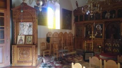 Φωτιά από κεριά στη Μονή Καλογραιών στην Καλαμάτα