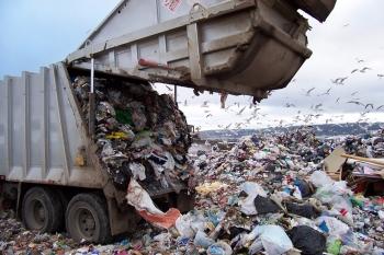 Ωρα αποφάσεων για λύση στα σκουπίδια -