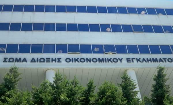 Πελοπόννησος: Σε αργία στελέχη του ΣΔΟΕ για πρόστιμο σε κουρείο