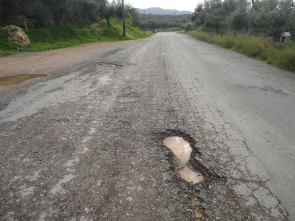 Σε άθλια κατάσταση  ο δρόμος προς Κιτριές