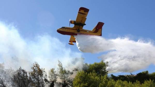 Πολύ δύσκολη η προσπάθεια των πυροσβεστικών δυνάμεων στα Κύθηρα