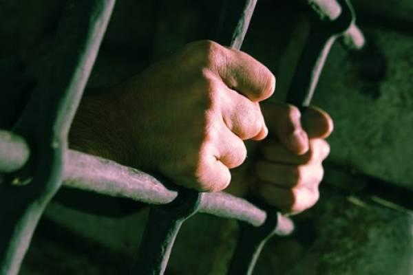 Κρατητήρια χειρότερα και από τις φυλακές