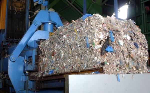 """""""Κλειδώνει"""" η ΣΔΙΤ για τα σκουπίδια στην Πελοπόννησο"""