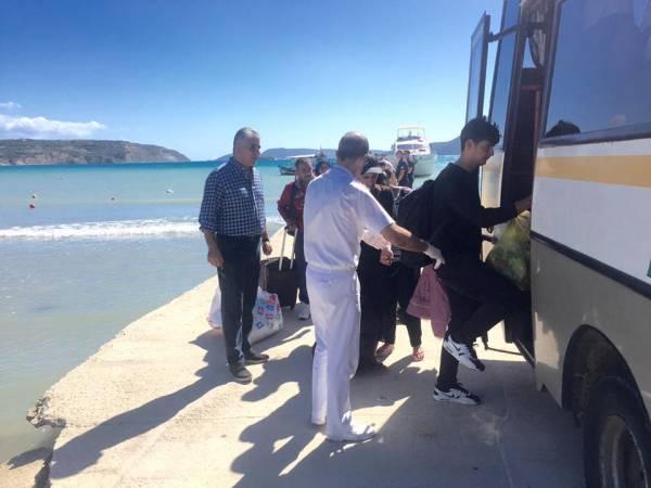 Σκάφος με πάνω από 100 μετανάστες στη Μεθώνη