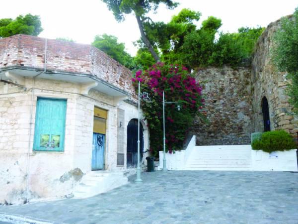 Από το 2011 εκκρεμεί η αγορά του ελαιοτριβείου στην είσοδο του Κάστρου Καλαμάτας