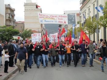 Φωτογραφίες από την πορεία του ΚΚΕ και της ΑΝΤΑΡΣΥΑ στην Καλαμάτα