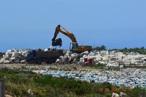 Ερωτηματικά για την αποκατάσταση της χωματερής στον Αγιο Νικόλαο
