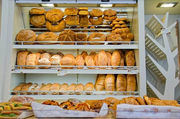 Αλλαγές στην αγορά σε ψωμί - λάδι - καύσιμα