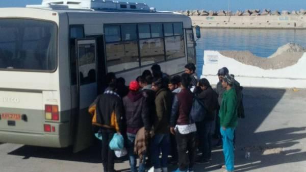 Στις Εργατικές Κατοικίες Κυπαρισσίας οι 41 μετανάστες - Οι μισοί έχουν νόμιμα έγγραφα παραμονής (βίντεο)