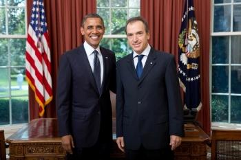 Ο πρέσβης Χρίστος Παναγόπουλος επέδωσε διαπιστευτήρια στον Ομπάμα