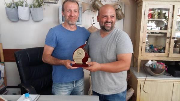 Τα βραβεία για την καλύτερη βιτρίνα στη Λευκή Νύχτα της Κυπαρισσίας