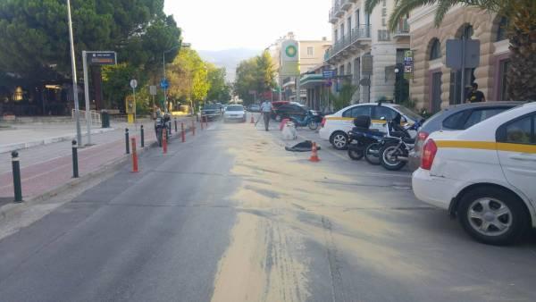 Δρόμοι στο κέντρο της Καλαμάτας γέμισαν λάδια (βίντεο)