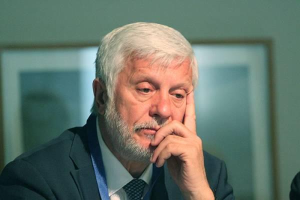 Αποχωρεί διακριτικά από τη διεκδίκηση της προεδρίας της ΝΔ ο Τατούλης