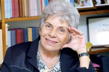 Ανακηρύσσεται το Σάββατο: Επίτιμη δημότισσα Μεσσήνης η ποιήτρια Κική Δημουλά