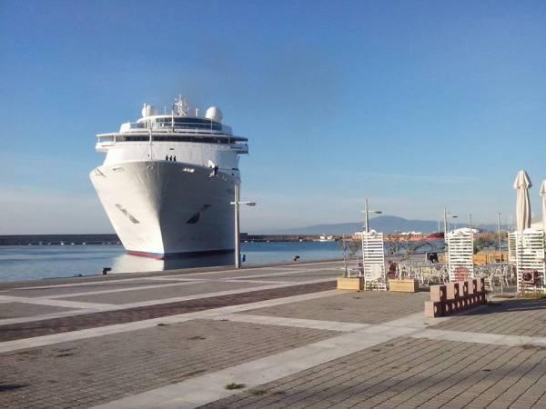 """1.142 τουρίστες στην Καλαμάτα με το """"Costa ΝeoClassica"""""""