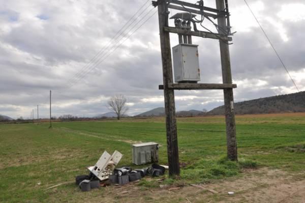 Υπέστησαν ηλεκτροπληξία από καλώδιο της ΔΕΗ σε αγρόκτημα των Φιλιατρών