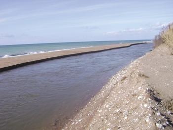 Οι επιθεωρητές περιβάλλοντος διαπιστώνουν παράνομη αμμοληψία σε Νέδα και Λάδωνα