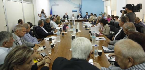 Ευρεία σύσκεψη στο ΥΠΕΣ για τις τις καταστροφές σε Μεσσηνία και Λακωνία