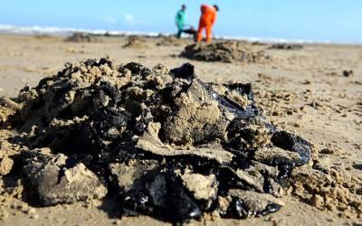 Μυστήριο με εξακόσιους τόνους πετρελαίου στις βορειοανατολικές ακτές της Βραζιλίας