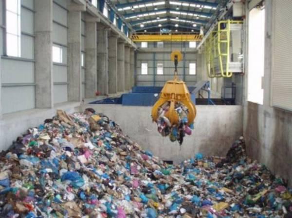 """Απουσίες από πλειοψηφία και μειοψηφίες: """"Πόντιοι Πιλάτοι"""" για τα σκουπίδια της Πελοποννήσου"""