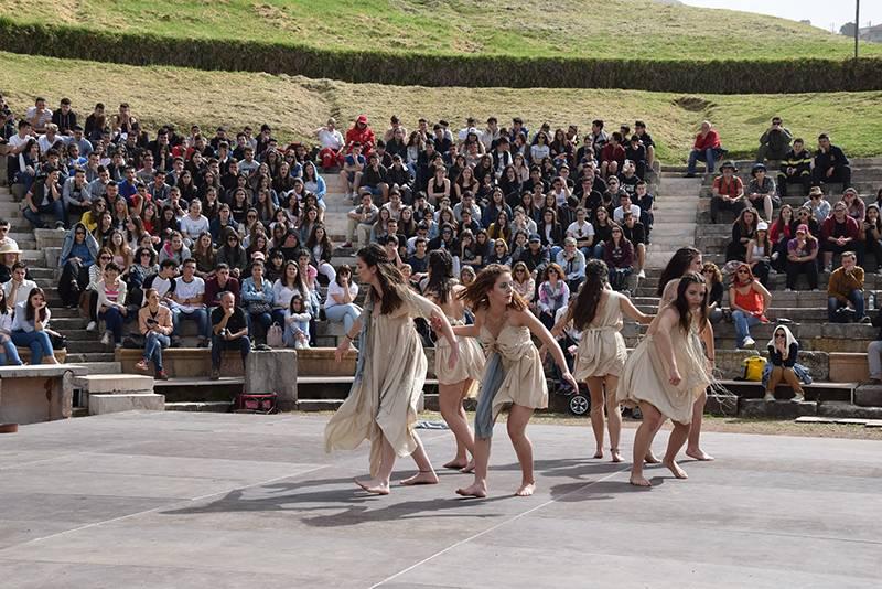 Αρχαία Μεσσήνη: Εντυπωσιακή έναρξη του 7ου Διεθνούς Νεανικού Φεστιβάλ Αρχαίου Δράματος (βίντεο-φωτογραφίες)