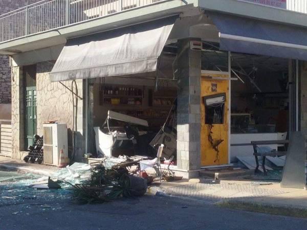 Μεσσηνία: Διάρρηξη με έκρηξη στο ΑΤΜ στο Κοπανάκι