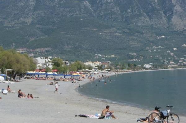 Το καλοκαίρι ήρθε  πριν το… Πάσχα στην παραλία της Καλαμάτας