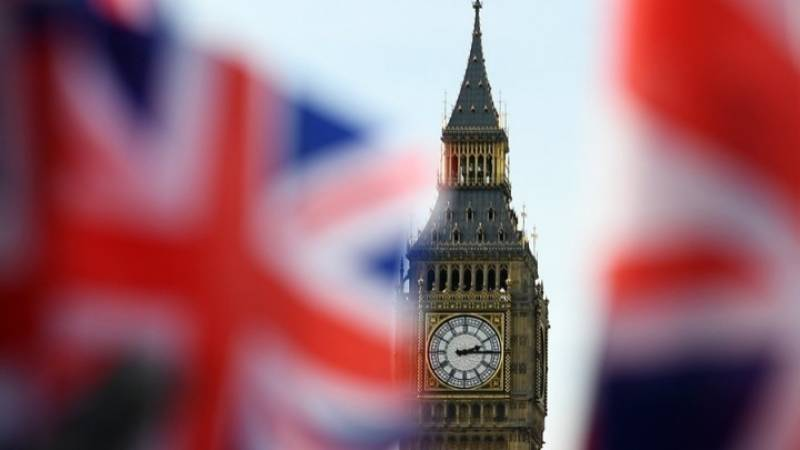 Brexit: Πληθαίνουν τα αιτήματα για άμεση επαναλειτουργία του κοινοβουλίου