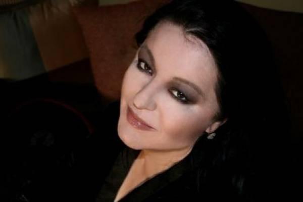 """Σόνια Θεοδωρίδου: """"Τιμή να τραγουδώ σε τέτοιους χώρους μέσα στη χώρα μου"""""""