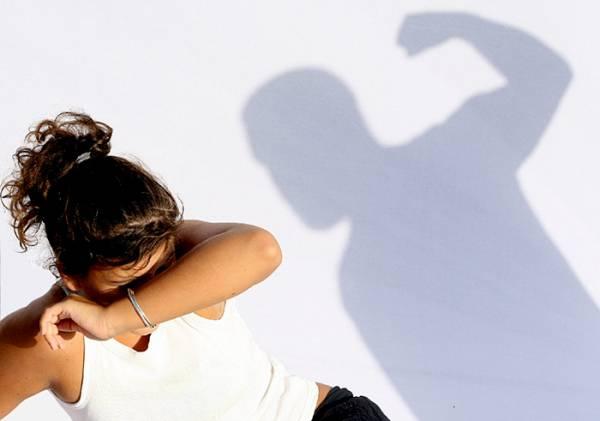 Αυξάνονται οι καταγγελίες για ενδοοικογενειακή βία