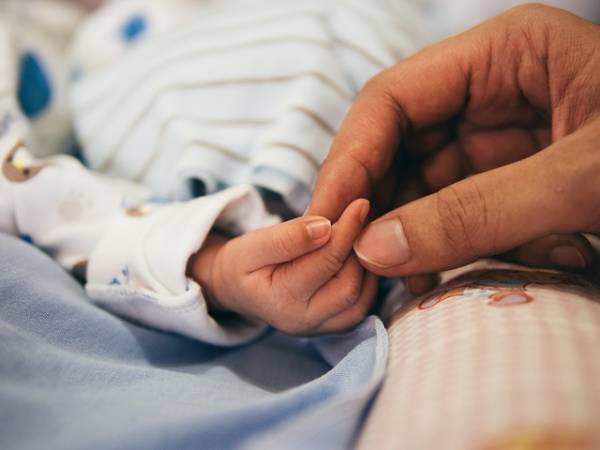 Μεσσηνία: Έγκυος χωρίς να το ξέρει - Γέννησε το 4ο παιδί της!