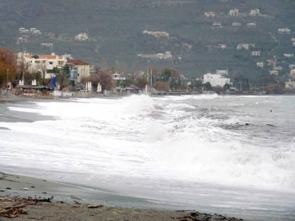 Θυελλώδεις άνεμοι αύριο σε Μεσσηνιακό Κόλπο και Ιόνιο